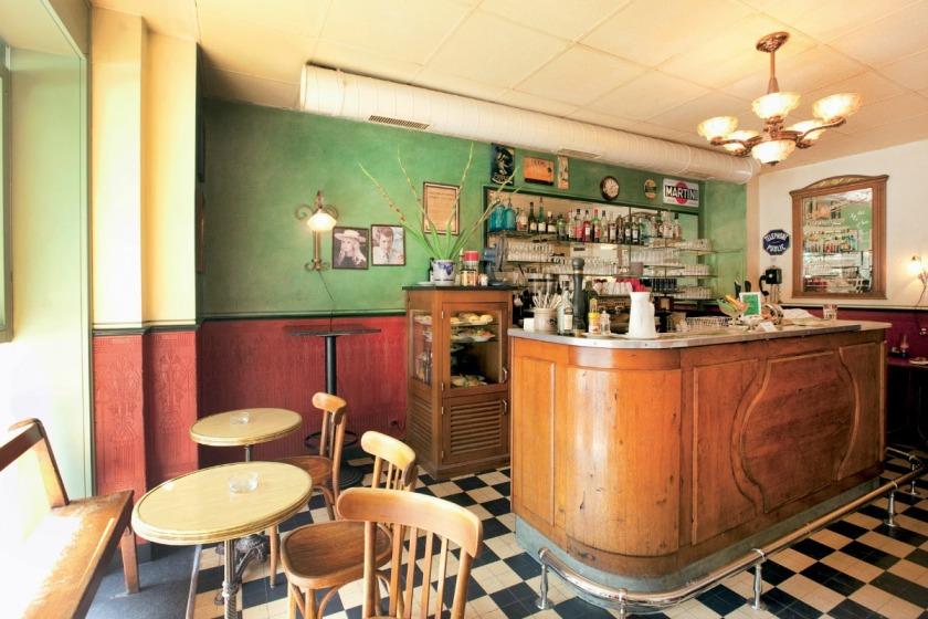 coffee and tea shops