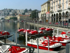 Ferrari-red paddleboats along the Lake