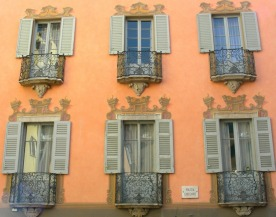 A lovely ochre facade in Lugano