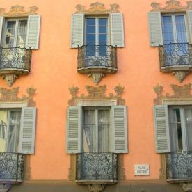 A lovely ochre facade in Lugano