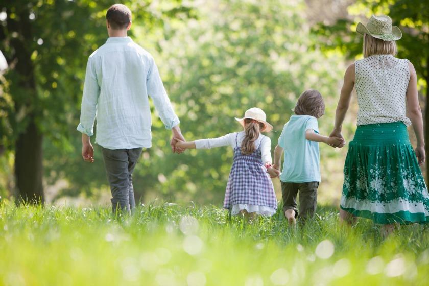 Young-family-on-creative-living-geneva