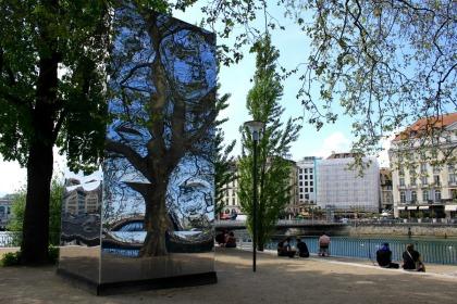 mirrors around Geneva