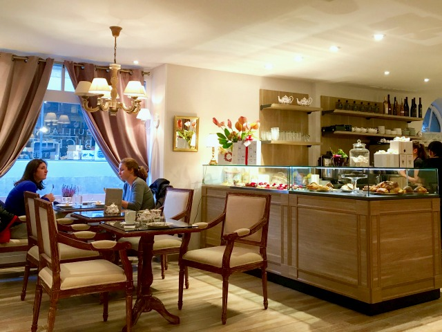 tea house and patisserie in coppet
